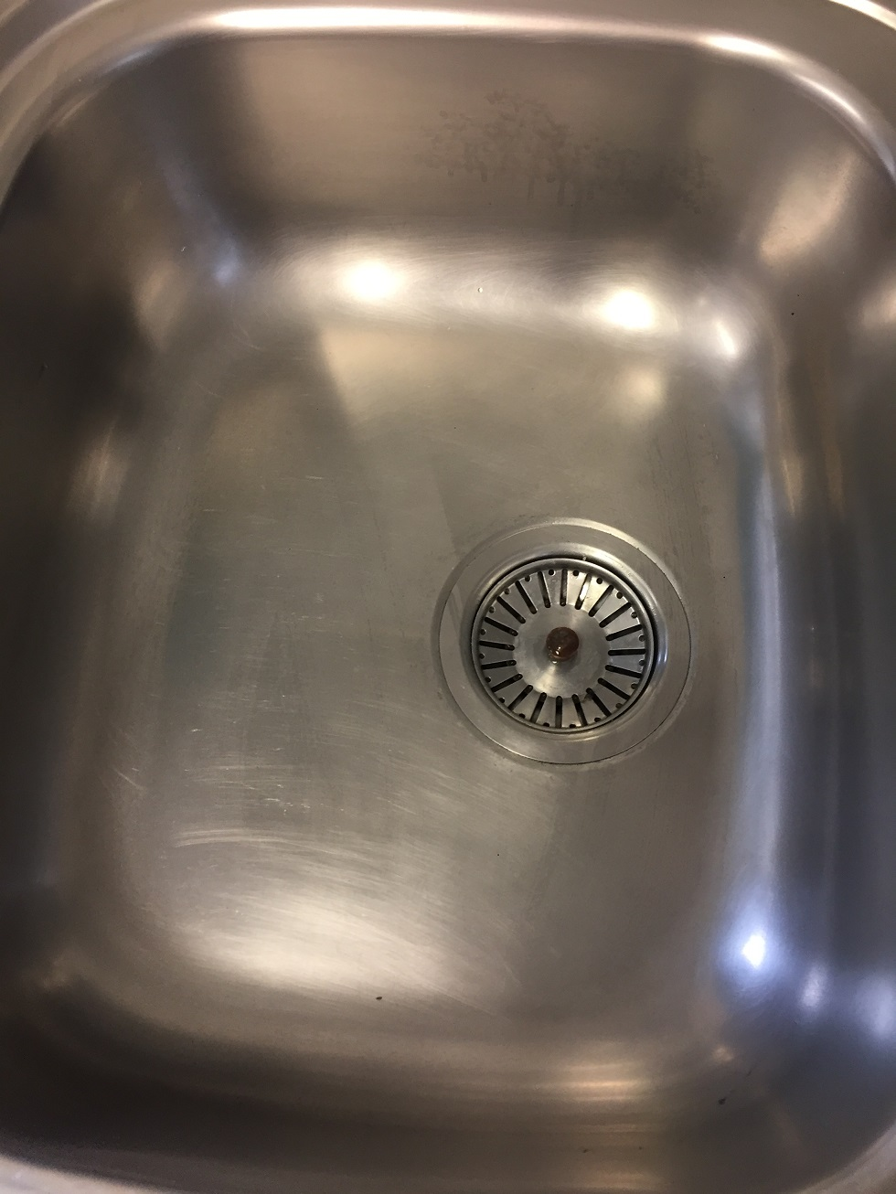 Sink Descaled